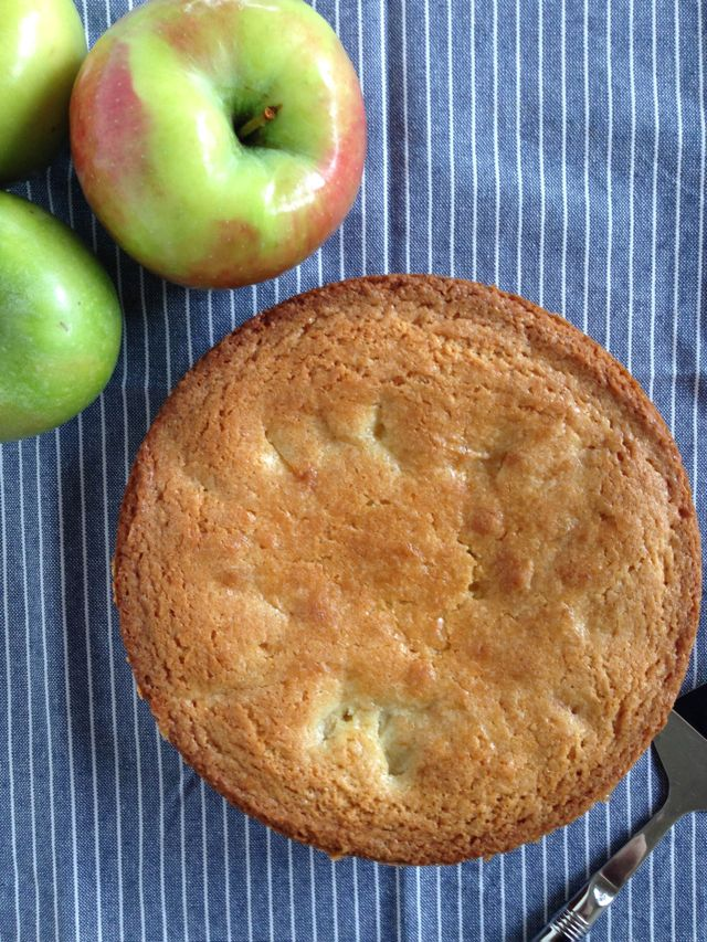 Norwegian Apple Cake